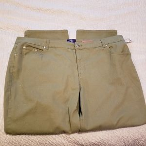Nwot Just my size 26w short classic fit twill